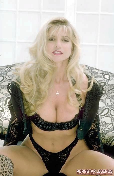 Angela Summers Porn Star